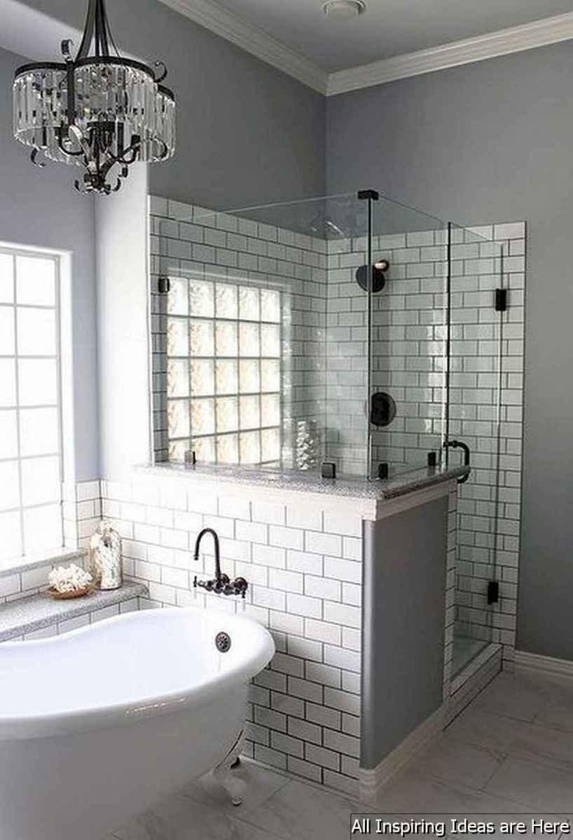 Minimalist modern farmhouse small bathroom decor ideas 29