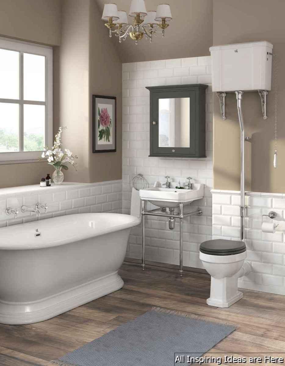 Minimalist modern farmhouse small bathroom decor ideas 30