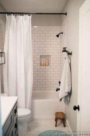 Minimalist modern farmhouse small bathroom decor ideas 40