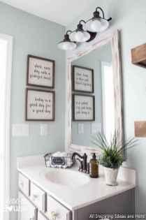 Minimalist modern farmhouse small bathroom decor ideas 7