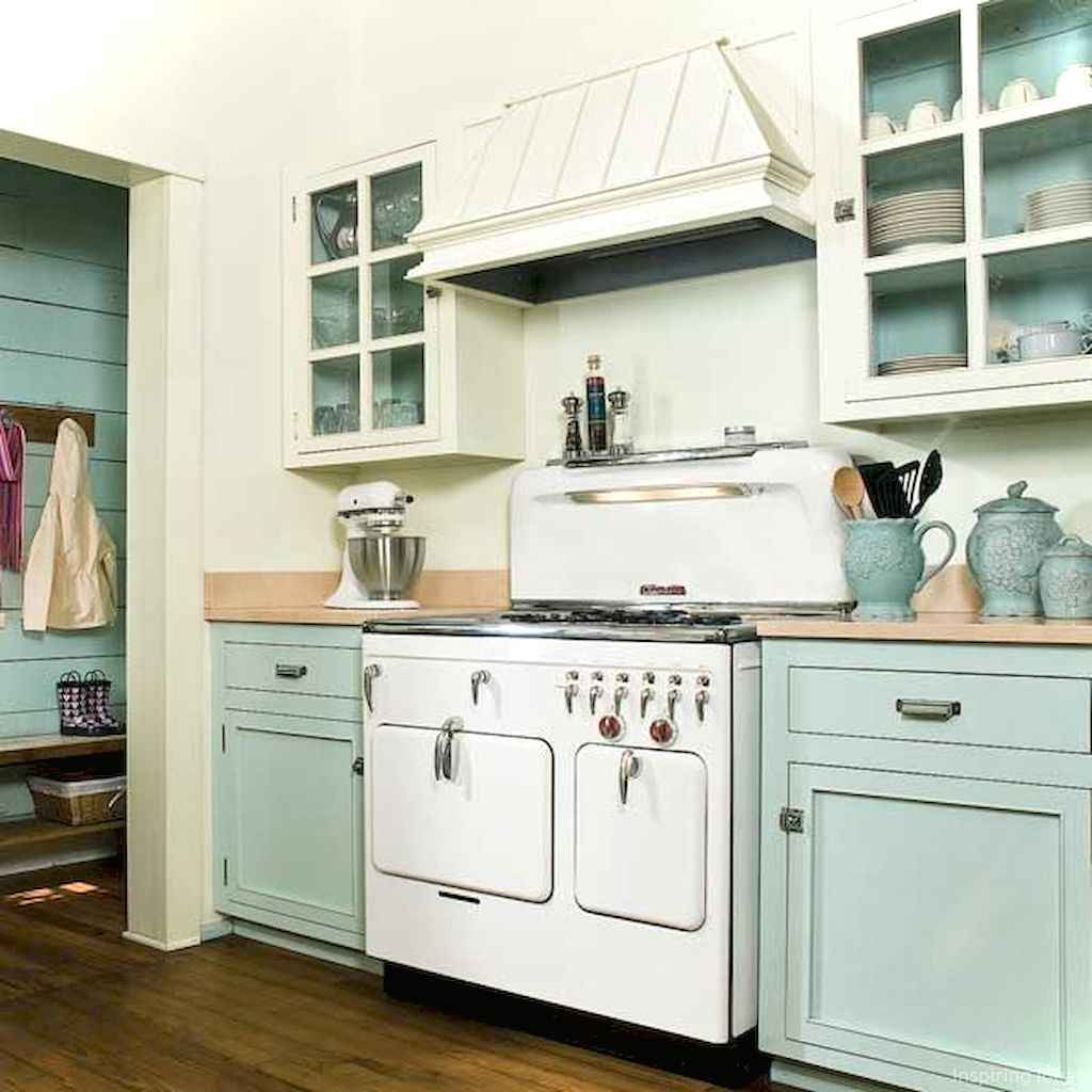 Amazing cottage kitchen cabinets ideas049