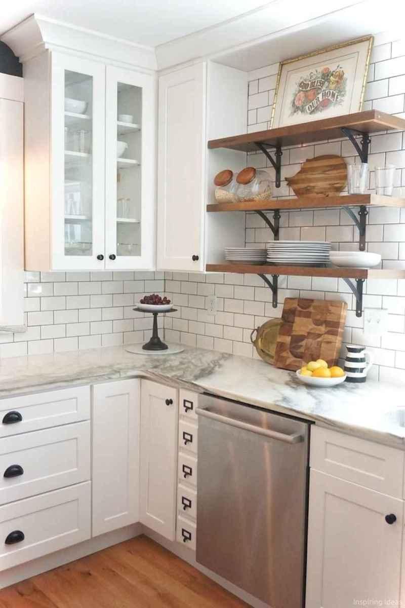 Amazing cottage kitchen cabinets ideas053
