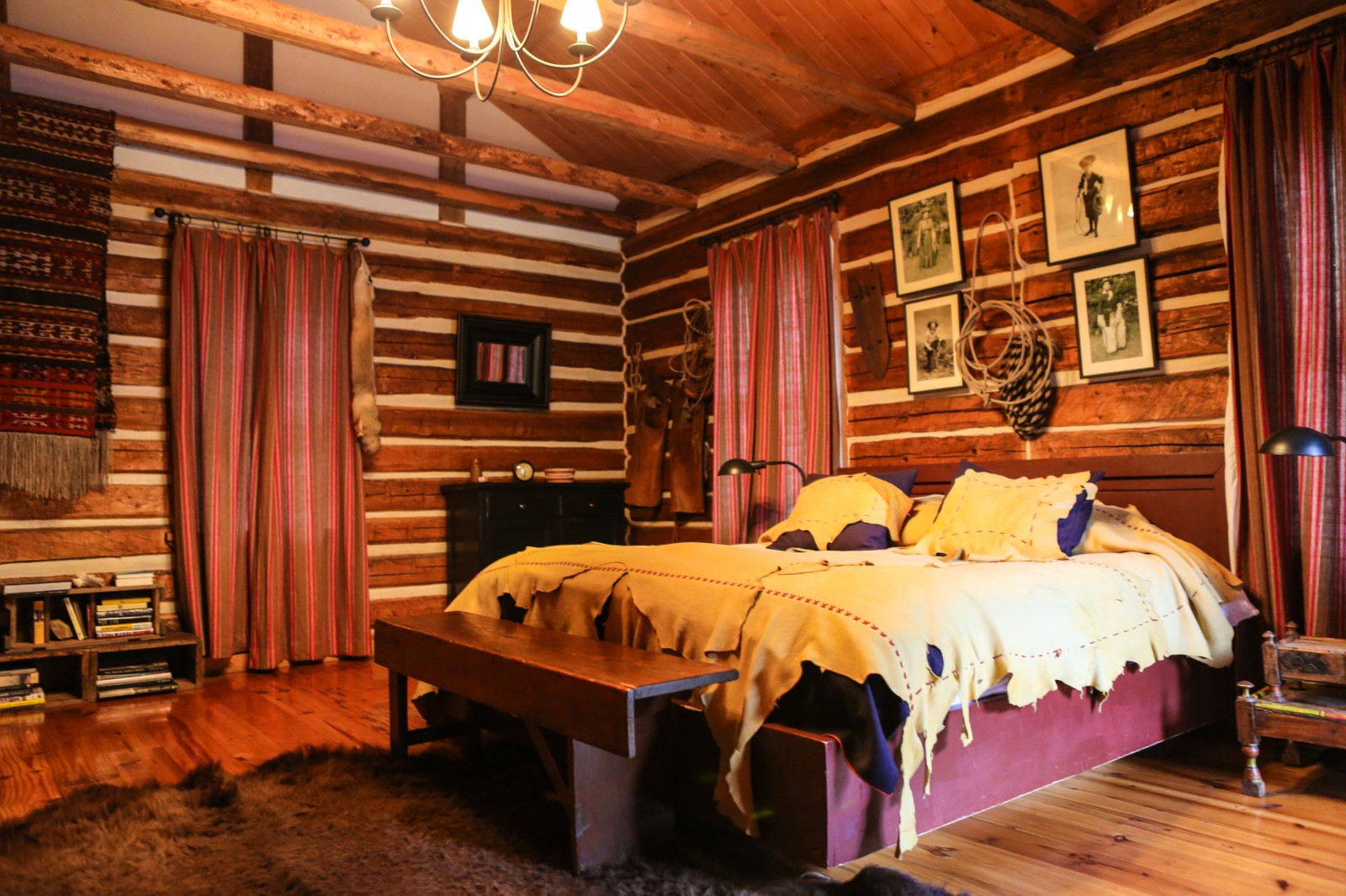 10 Charming Decorating Ideas For A Cabin -Room & Bath