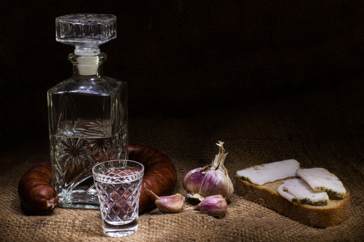 eau-de-vie traditionnelle roumaine