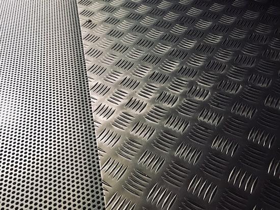 In-game: Closeup of a steel floor.