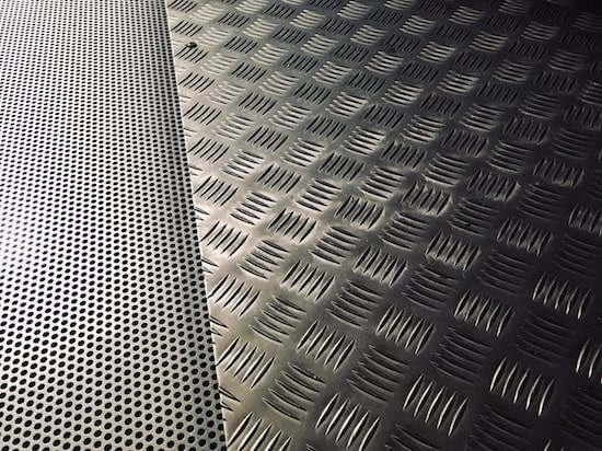 In-game: Closeup of a steel floor.
