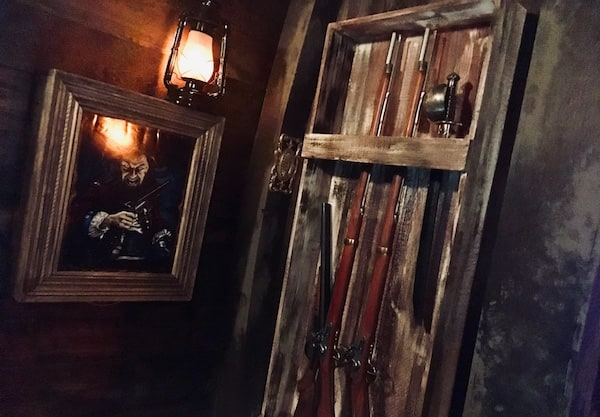 In-game: A wrack filled with muskets and swords.