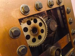 In-game: Closeup of a gearbox.