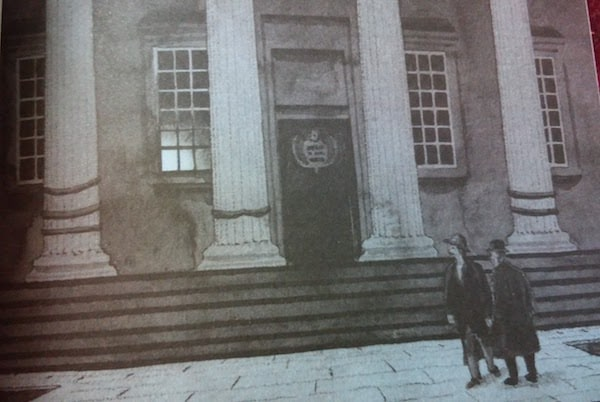 An ilustration featuring Sherlock and Watson in front of the museum entrance.