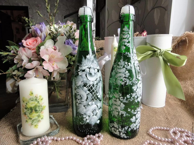 Az üveg és az üzemanyagok dekorációja és gyöngyök