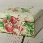Witte doos met rozen