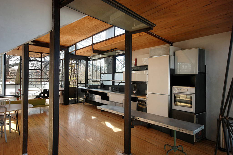 Modern Glass Airbnb in Atlanta