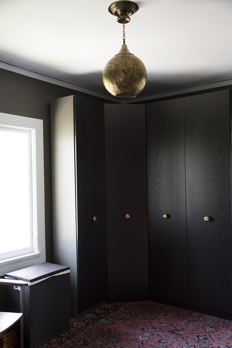 moody-masculine-dressing-room