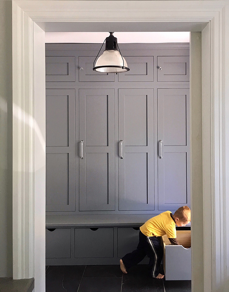 functional-mudroom-and-entryway