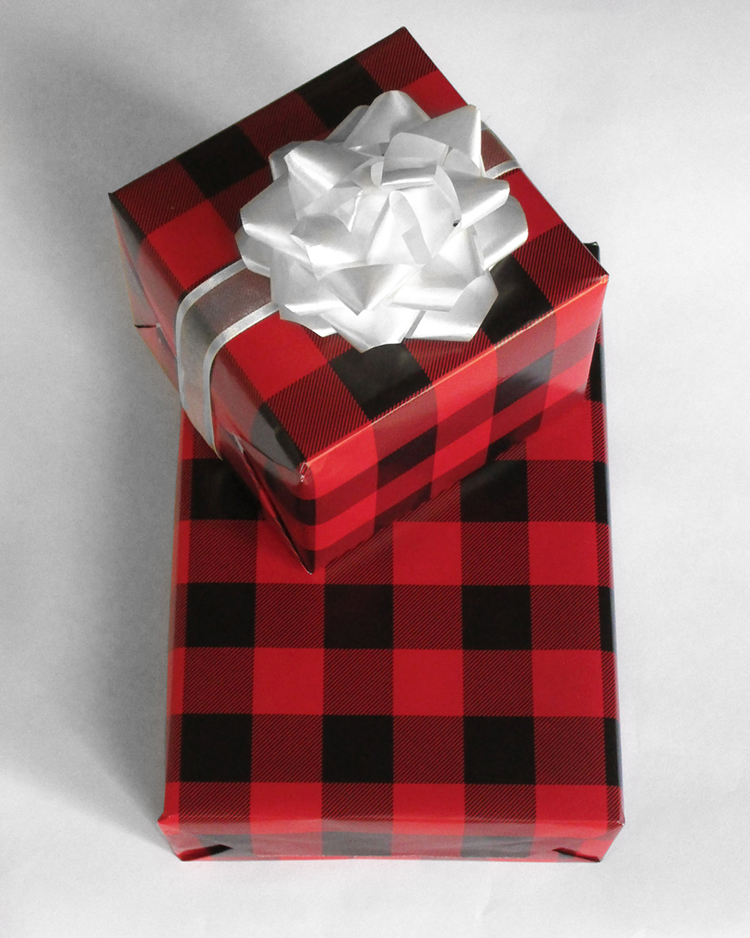 classic-holiday-wrapping-paper