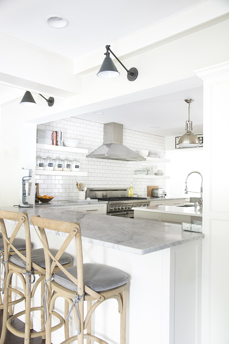 white-modern-farmhouse-kitchen