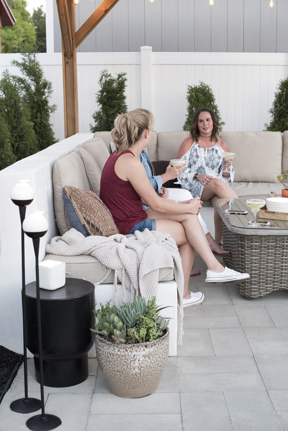 Outdoor Entertaining Essentials for Spring and Summer - roomfortuesday.com