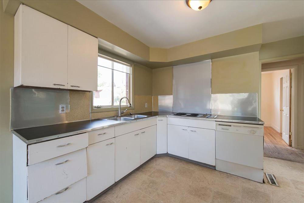 kitchen before 8