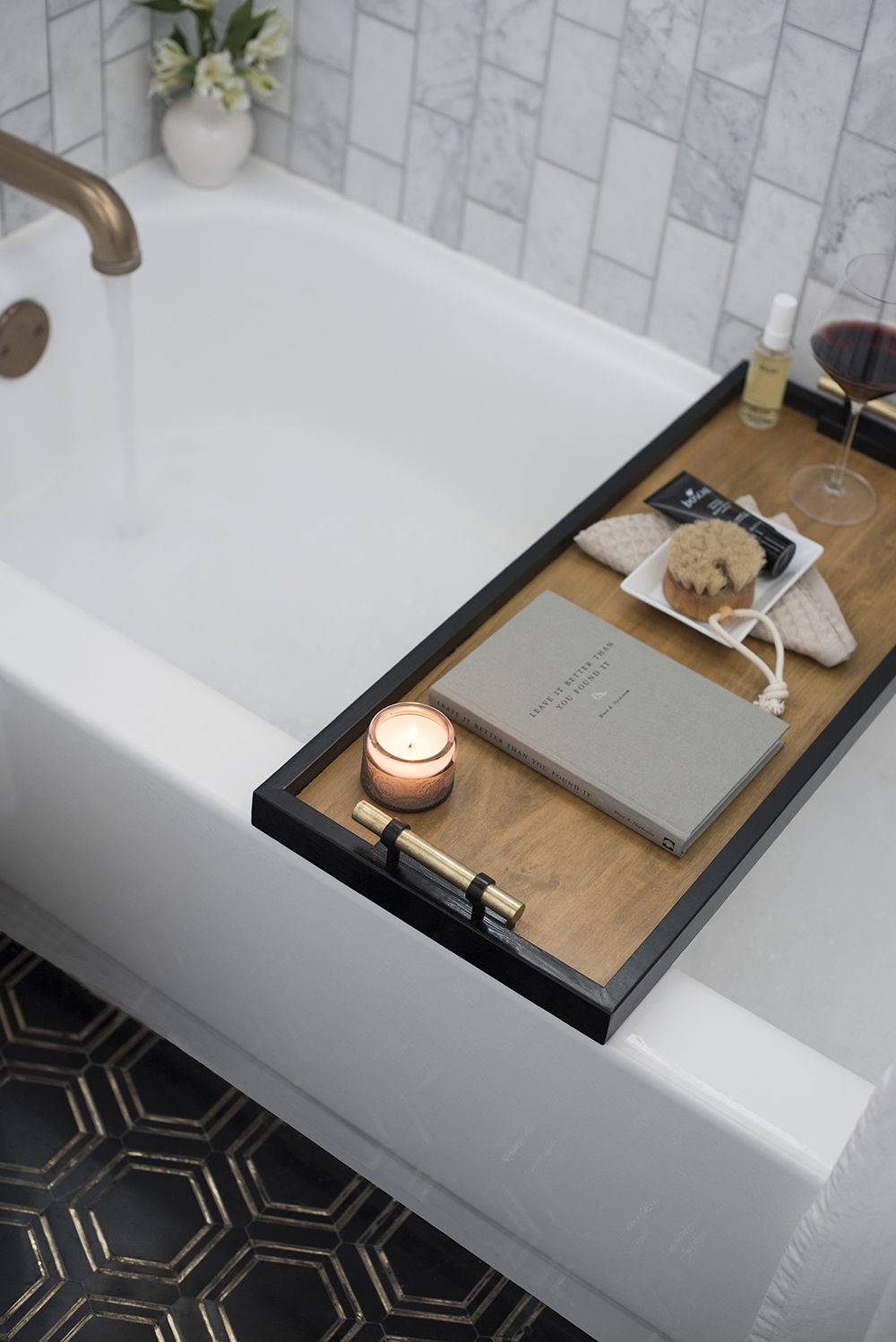 DIY Bath Caddy Tray   Roomfortuesday.com