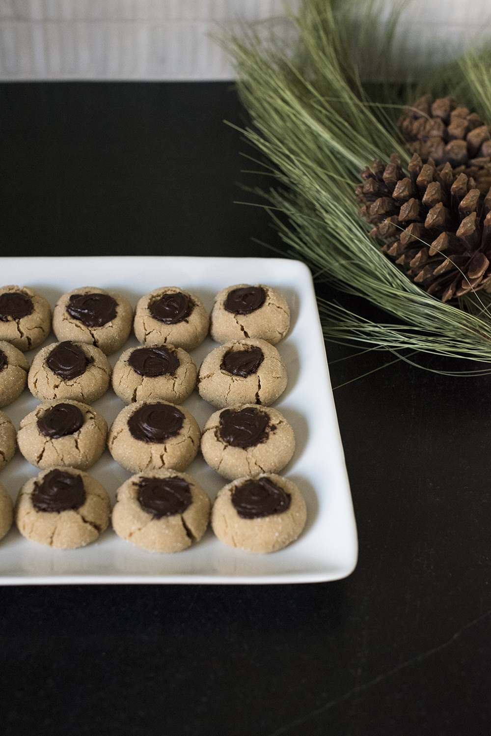 Holiday Blog Hop Cookie Swap - roomfortuesday.com