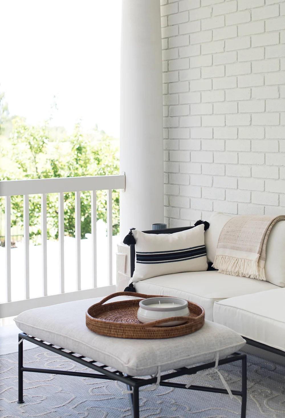 Roundup : Lumbar Pillows - roomfortuesday.com