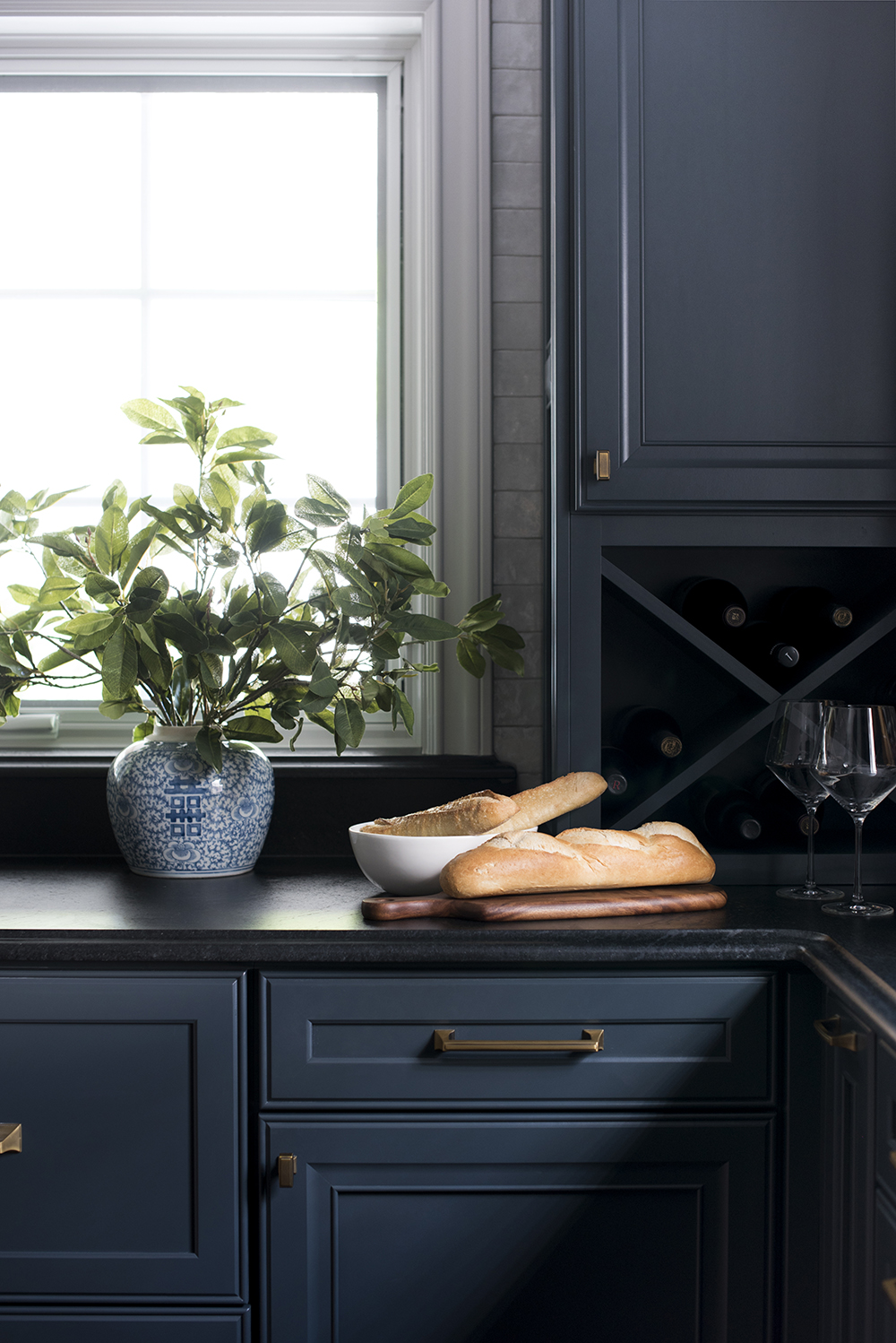 Why We Used Soapstone In Our Kitchen... Again - roomfortuesday.com