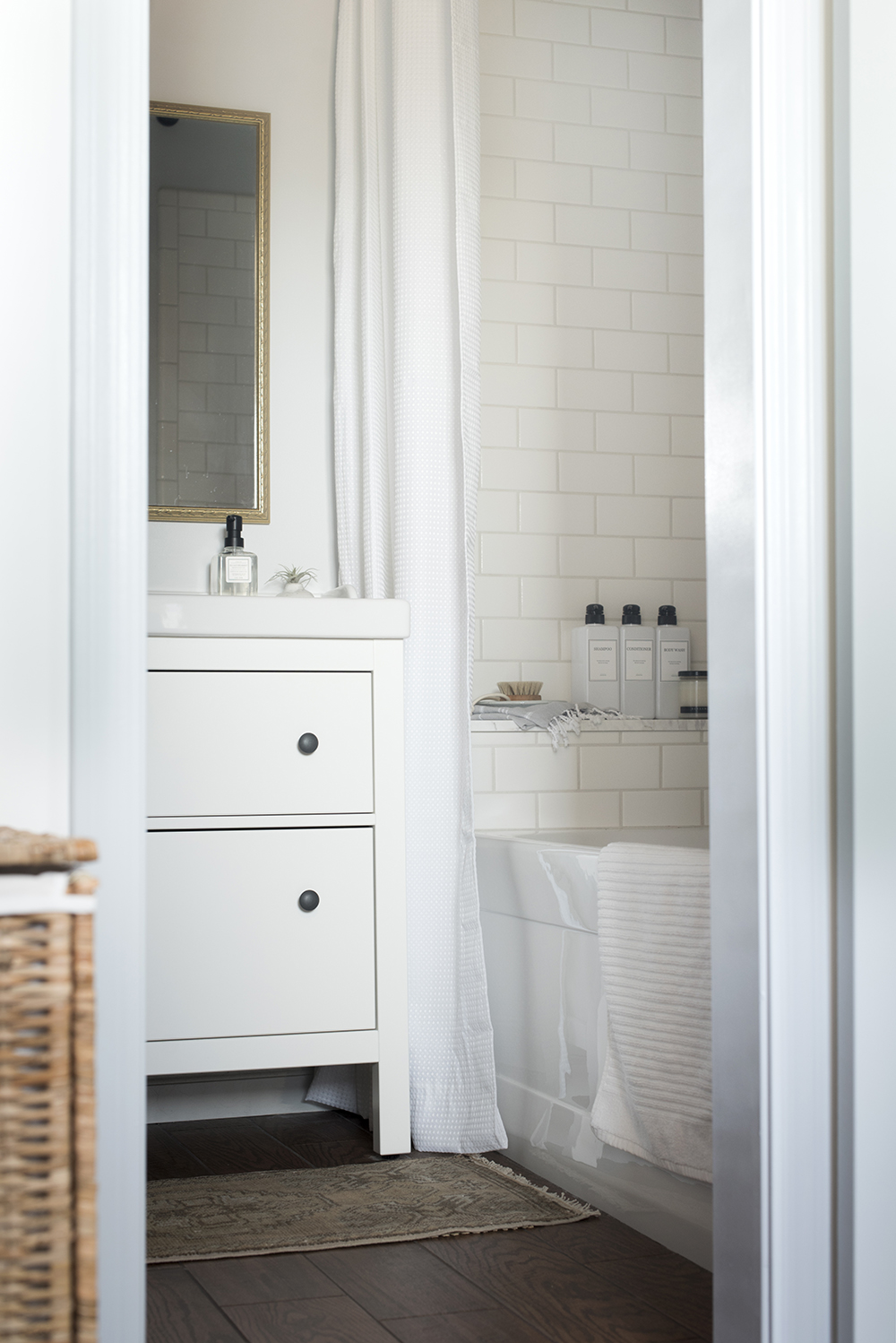 Laurie Anne's Bathroom Makeover - roomfortuesday.com