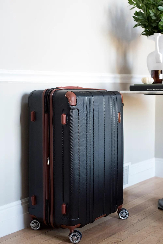 My Favorite Travel Essentials - roomfortuesday.com