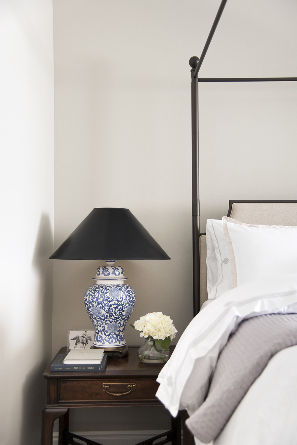 Mini Guest Room Makeover for Holiday Visitors - roomfortuesday.com