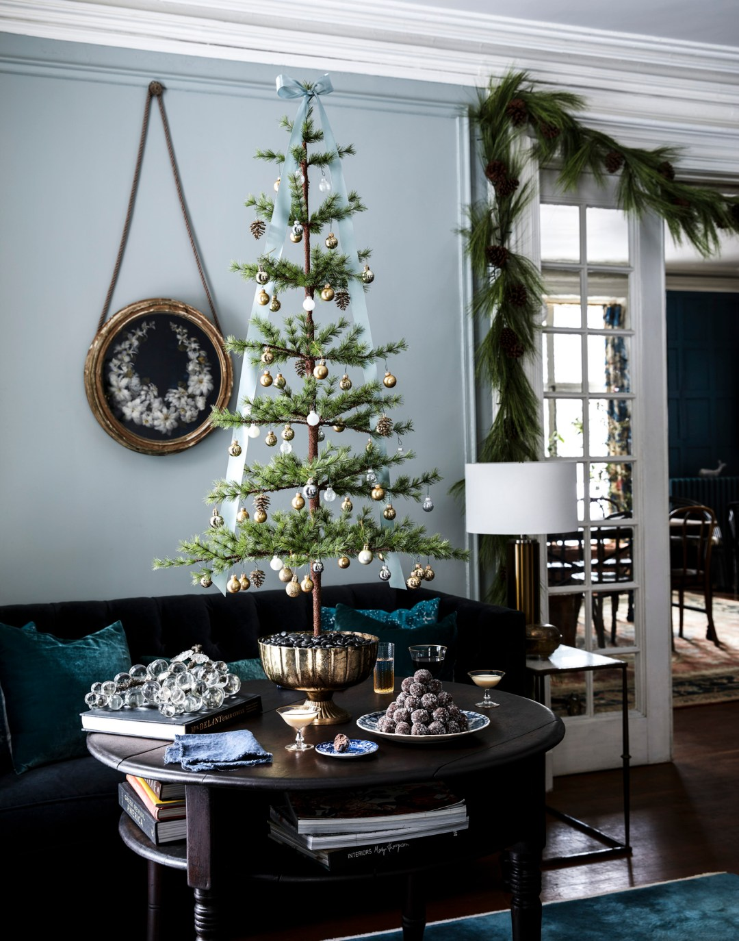 10 Gorgeous Christmas Trees from Fellow Design Bloggers - roomfortuesday.com