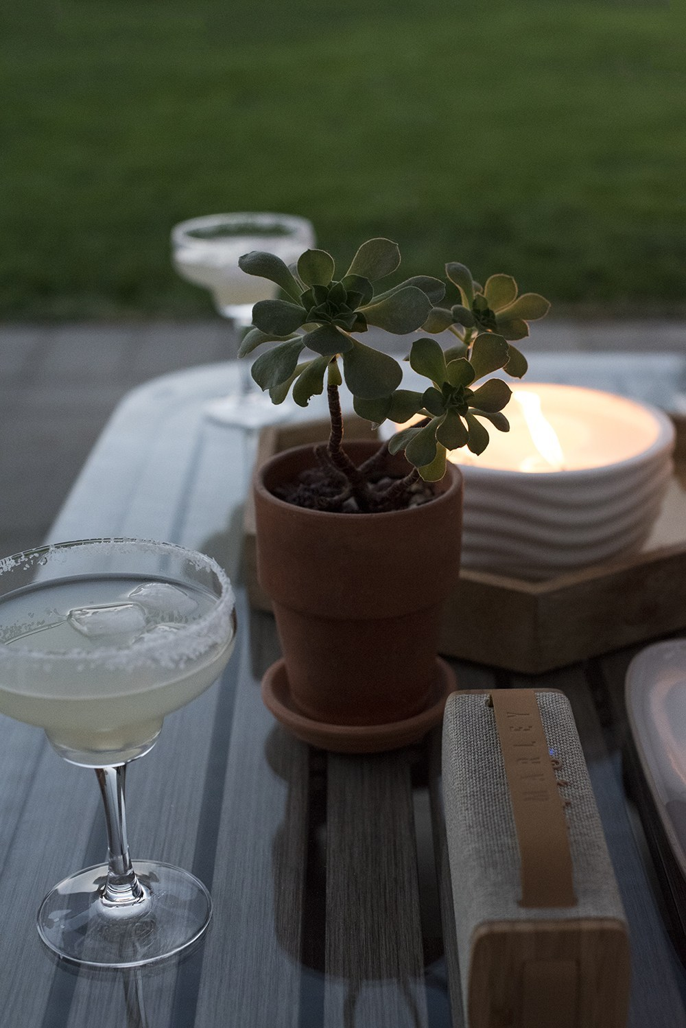 Date Night : Al Fresco Dining At Home - roomfortuesday.com