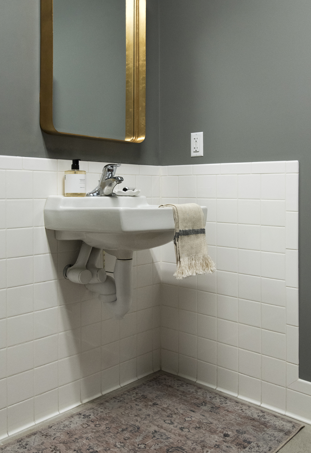Office Bathroom Makeover & Seasonal Home Finds - roomfortuesday.com
