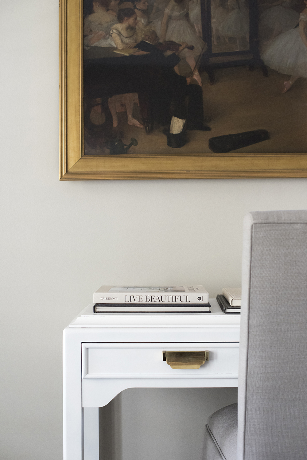 My Top 5 Foundation Pieces for Interior Styling - roomfortuesday.com