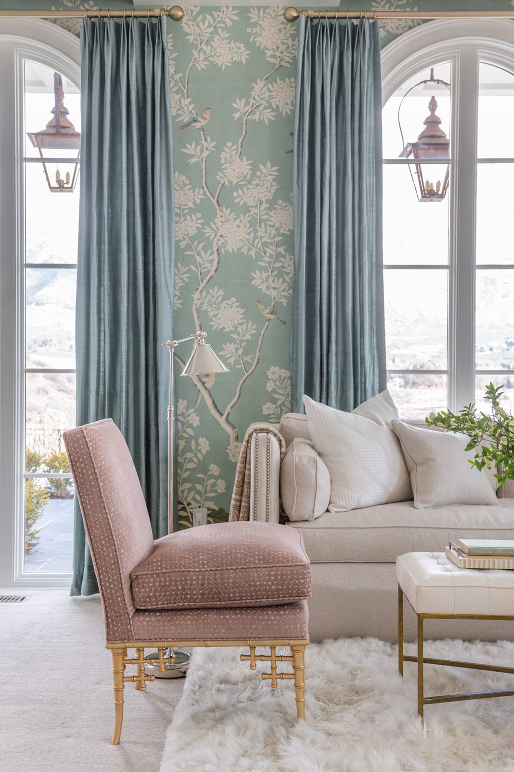 Roundup : Floral, Striped, & Toile Wallpaper