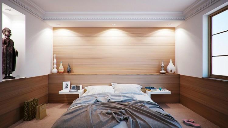 focus wall in bedroom lights