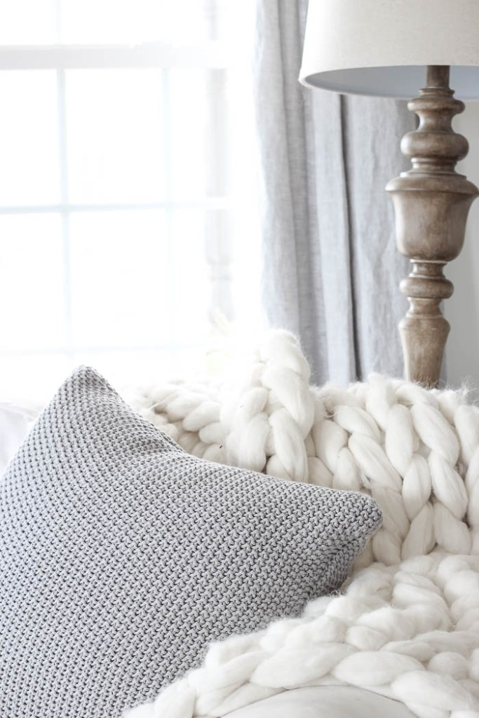 Chunky Knit Throw Blanket | Rooms FOR Rent Blog