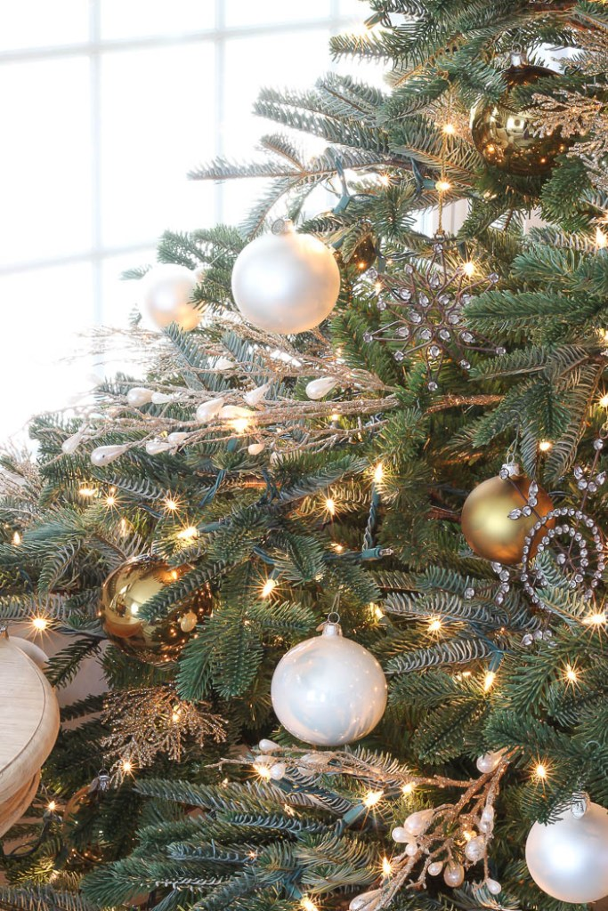 Our New Christmas Tree | Rooms FOR Rent Blog