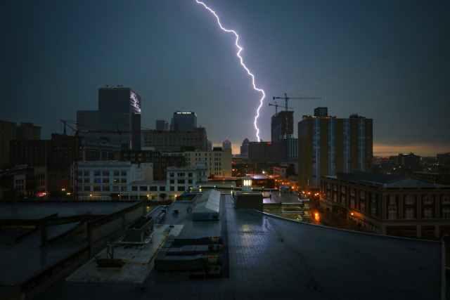 photo of a lightning strike