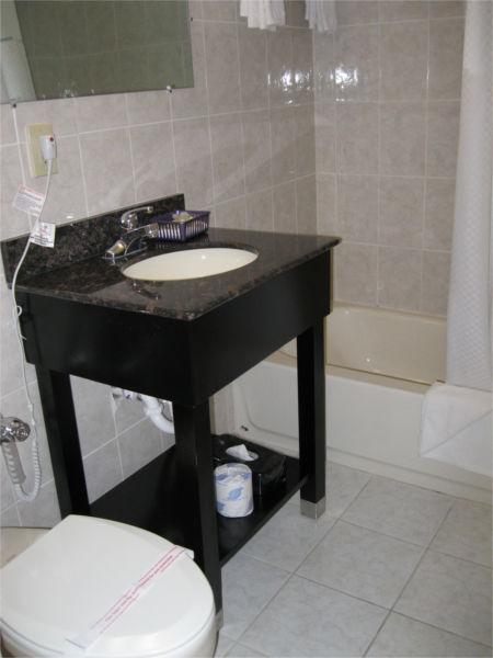 super-8-bathroom