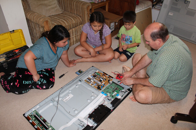 Free education: troubleshooting a freebie TV given to us by some family. Looks like a $4 fuse will fix it.