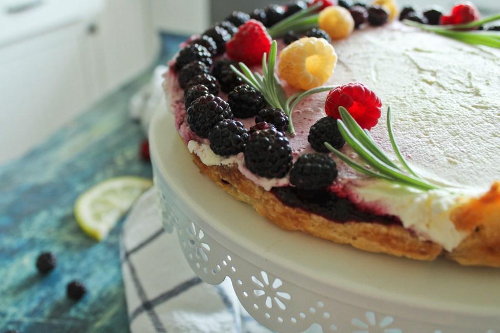 Lemon berry mascarpone pie