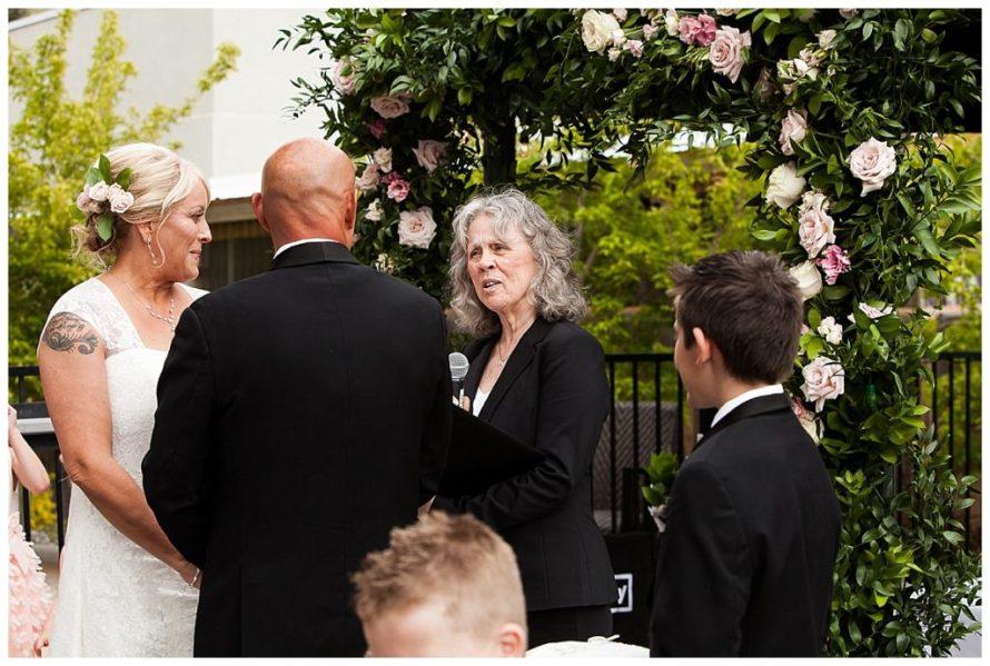 draper wedding pink roses utah wedding