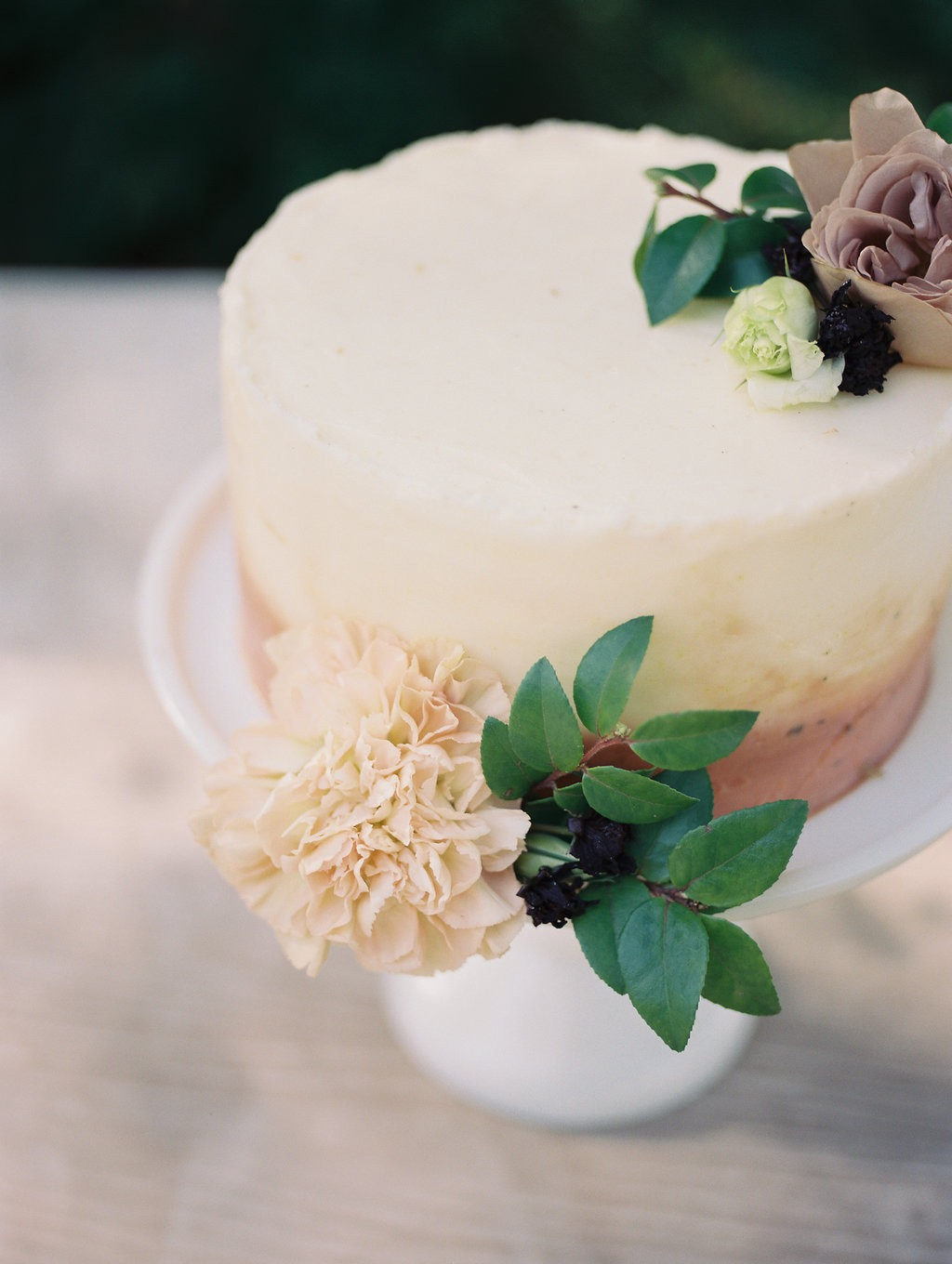 Wedding cake floral design