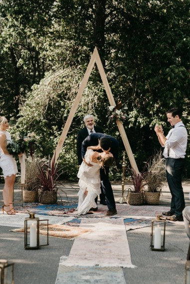 ceremony-installation-roots-floral-design-12