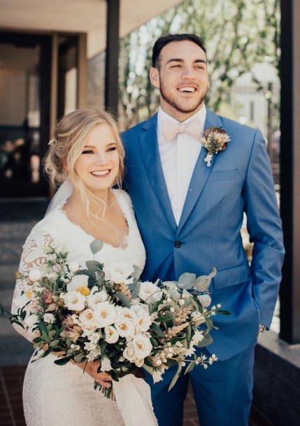 wedding-bouquets-roots-floral-design-15