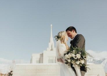 wedding-bouquets-roots-floral-design-23