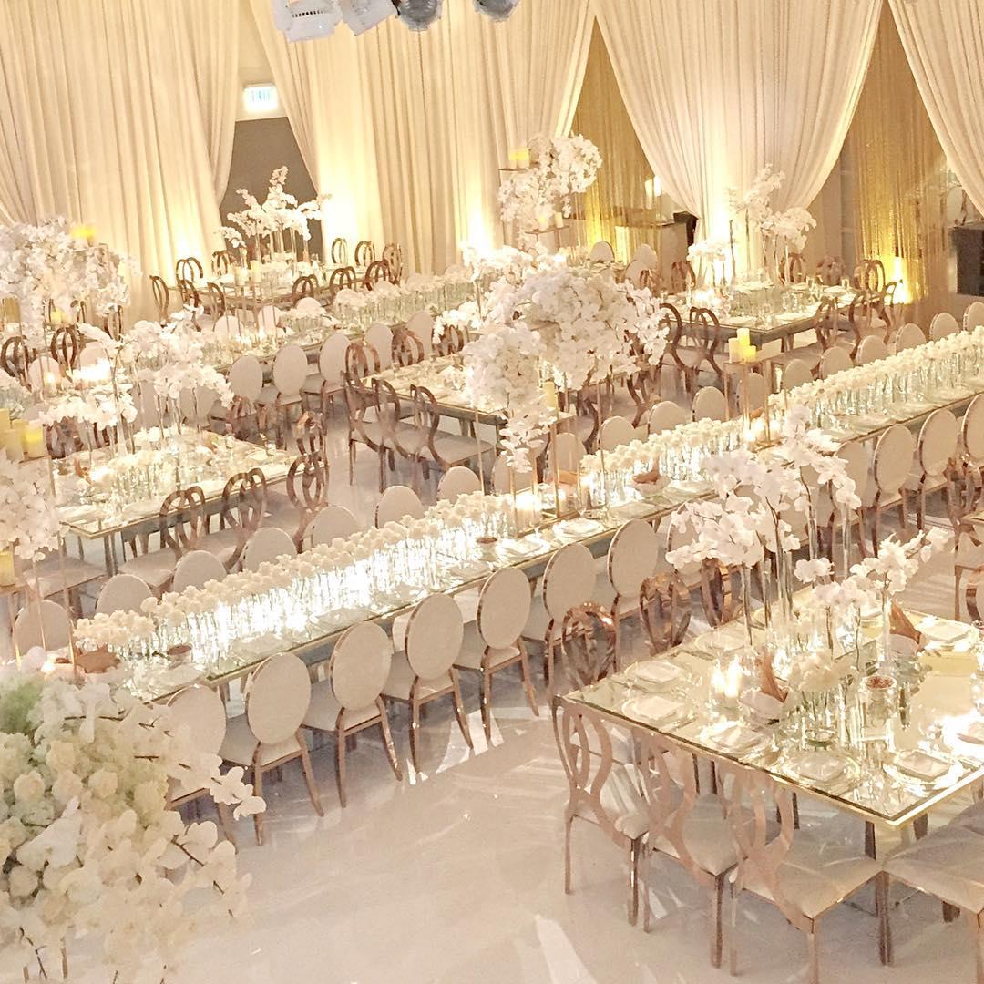 White Luxury Wedding Decor With Wonderful and Beautiful ...