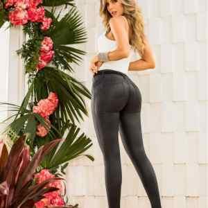 pantalon-cuero-mujer-brillante