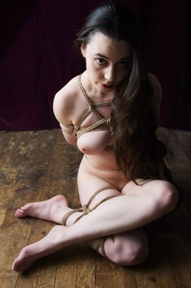 Gestalta shibari, floor bondage