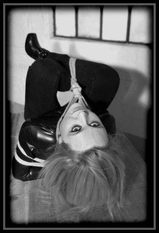 Completely forgotten the models name (sorry) Shibari, latex, heels. Image by Jonny Blase